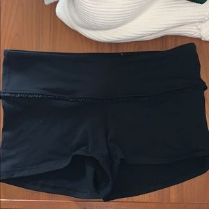 Lululemon 6 Shorts